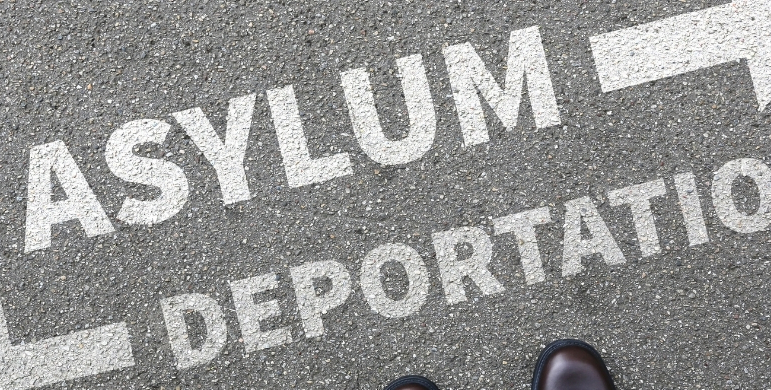 ¿Cuál es el estado actual de las deportaciónes de inmigrantes de Estados Unidos y los cambios en las leyes de asilo?